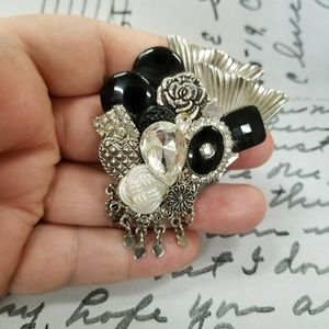 Gorgeous and Rare VTG Brooch